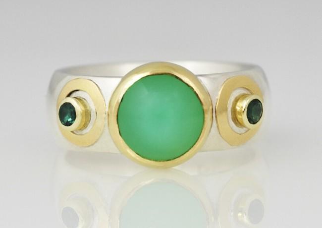 Ring chrysophraas met groene kwarts, zilver en 18 krt goud, frouks